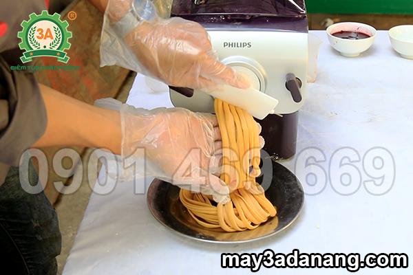 máy làm mì, máy làm mì tươi, máy làm mì sợi, mua máy làm mì, bán máy làm mì tươi, máy cán mì, máy làm mì gạo, máy làm mì sợi gia đình, máy cán mì sợi, máy cán mỳ,